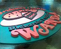 Kolorowy przestrzenny znak firmowy piekarni wykonany ze styroduru