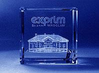 Szklana statuetka prezent dla klientów z Siedzibą firmy Exprim