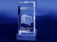 Szklana statuetka grawrona 10-cio lecie firmy IMG