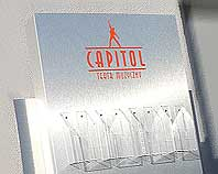 Ozdobny stojak z dibondu na ulotki foldery i plakt