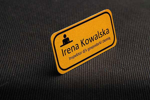 Żółto czarny identyfikator dla pracownika - identyfikator dla inspektora