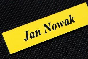 Żółto czarny identyfikator imienny jednoliniowy