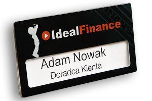 Identyfikator z okienkiem dla pracownika firmy finansowej
