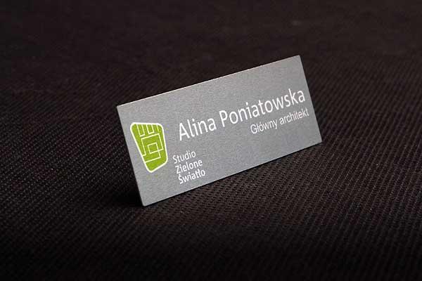 Metalowy identyfikator imienny drukowany dla architekta