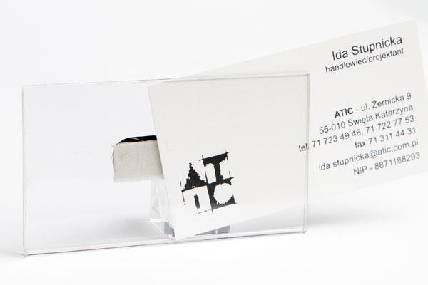 Bezbarwny plastikowy identyfikator na wymienna wizytówkę