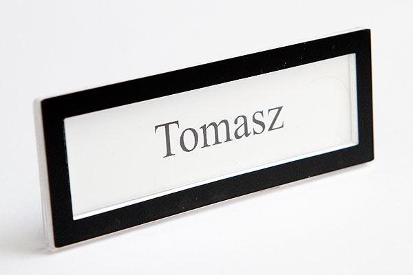 Ramka czarna na wymienny identyfikator z imieniem