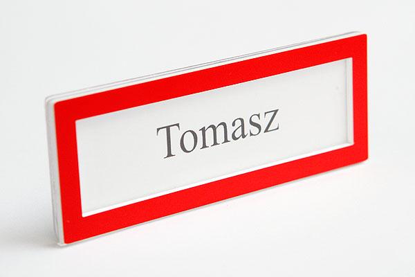 Ramka czerwona na wymienny identyfikator z imieniem