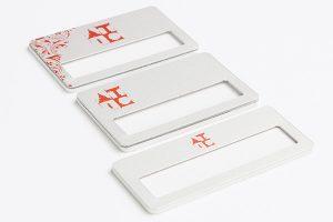 identyfikatory z okienkiem standardowe srebrne