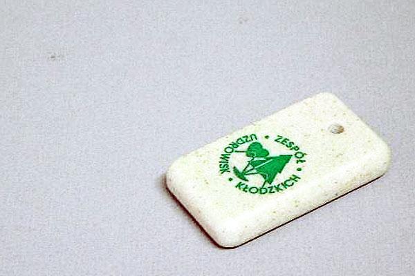 Grawerowanie corianu - brelok do kluczy