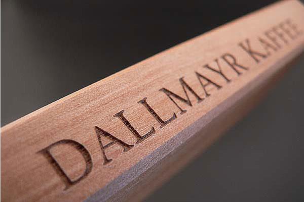 Grawerowanie drewna na głębokość 2 mm
