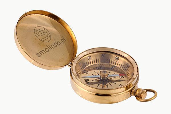 Grawerowanie mosiądzu - kompas
