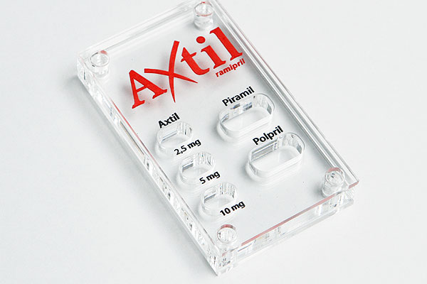Grawerowanie pleksi prezenter na tabletki dla apteki