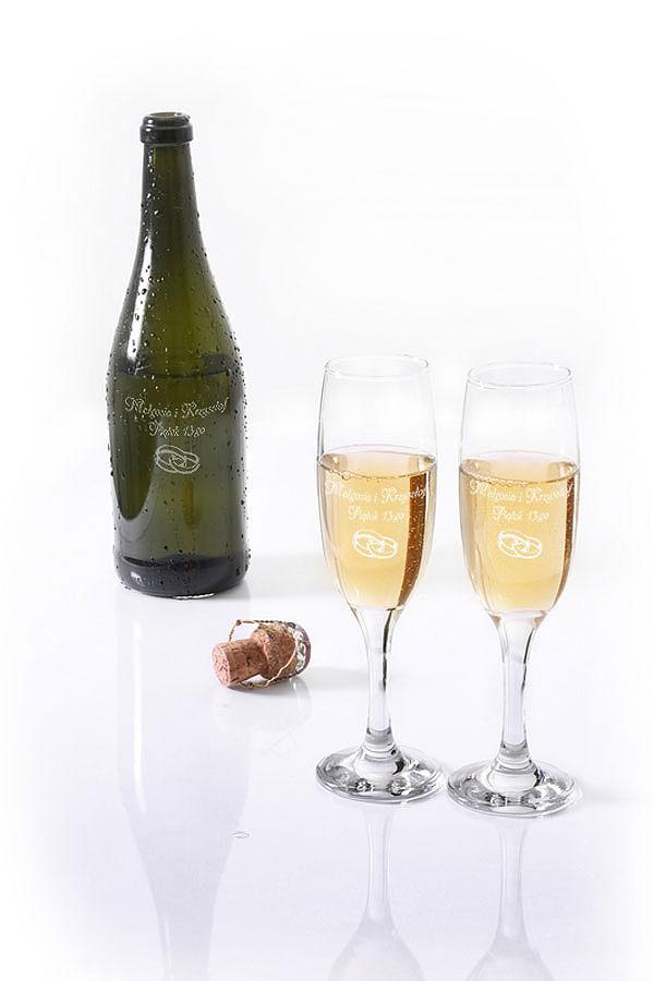 Grawerowanie na butelce szampana