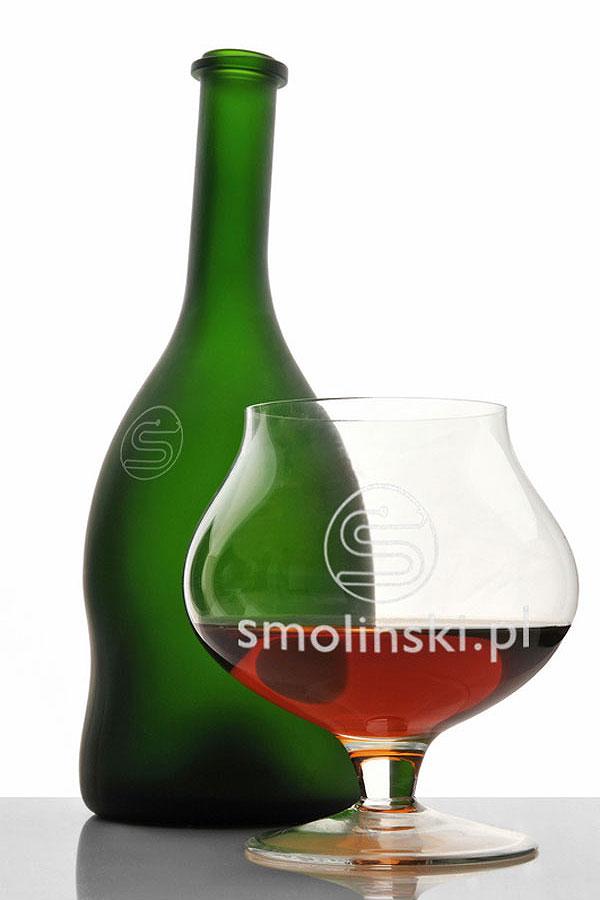 Grawerowanie ozdobnych butelek
