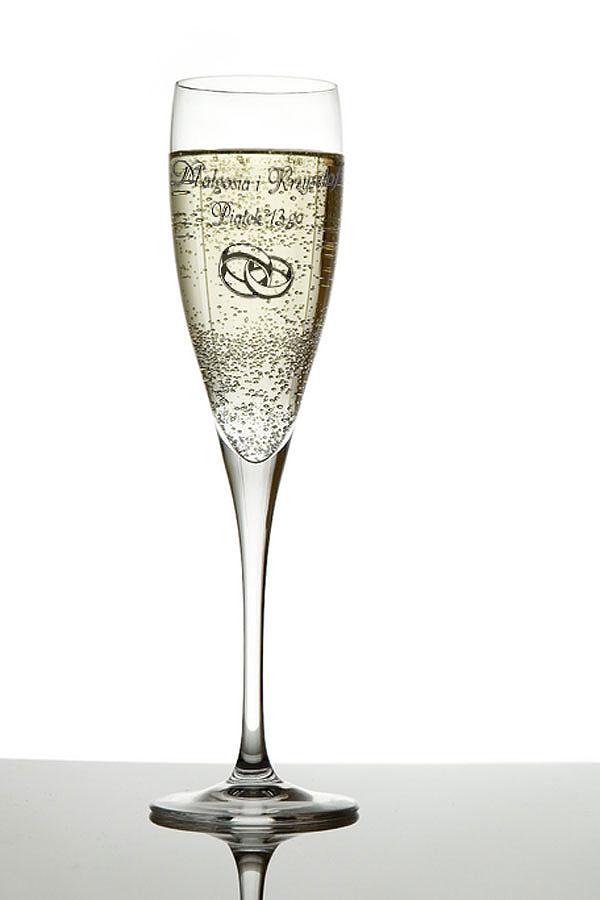 Grawerowanie kieliszka do szampana