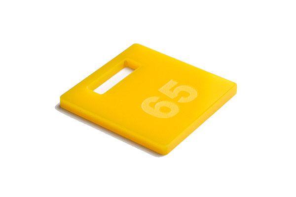 Numerek do szatni lub do kluczy na cytrynowej pleksi