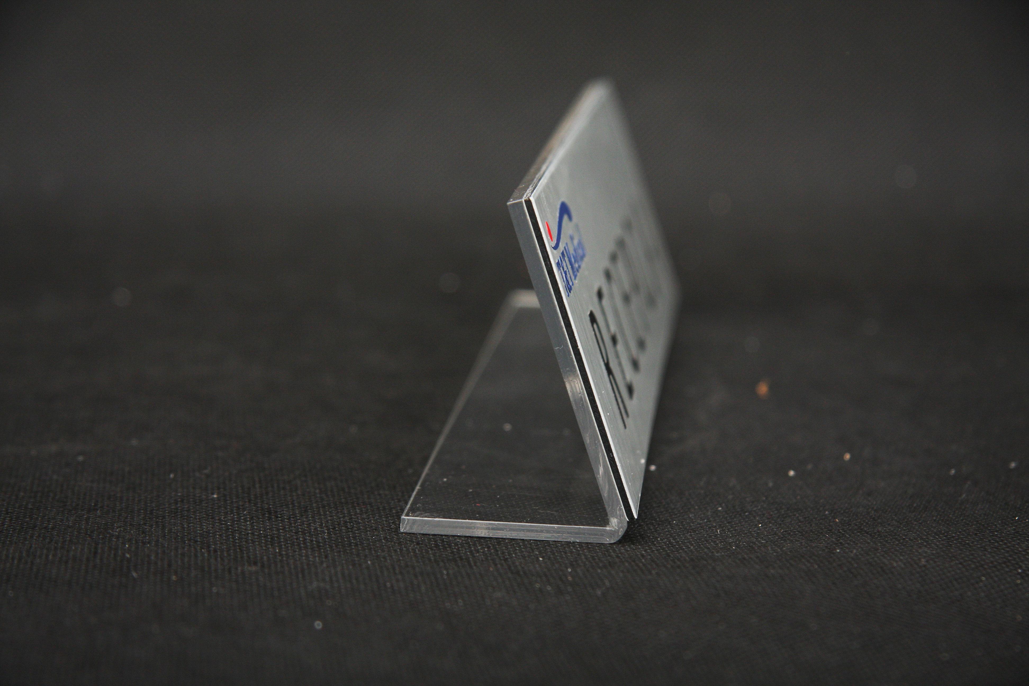 Recepcja metalowa tabliczka na stół