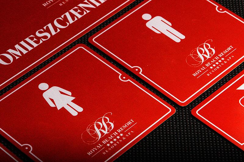 Oznakowanie na drzwi toalet i wc dla hotelu