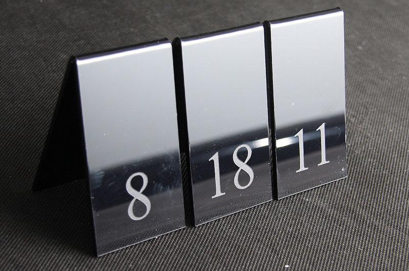 Numerowanie stołów srebrna ozdobna pleksi