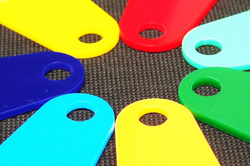 Kolorystyka numerków z pleksi