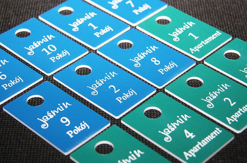 Plastikowe numerki do kluczy dla pensjonatu