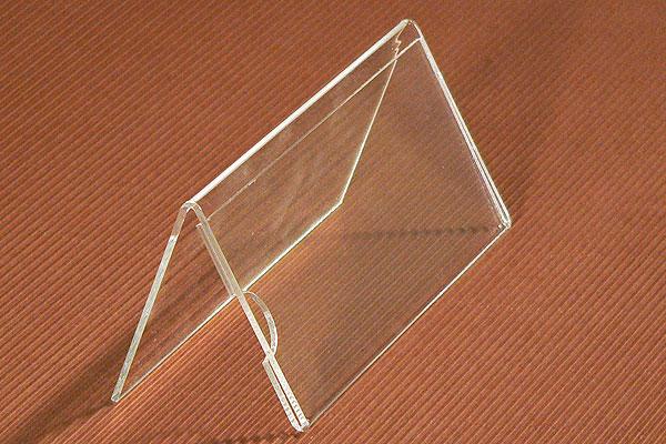 Tabliczka stojaczek z bezbarwnej pleksi z wymienną treścią na stół