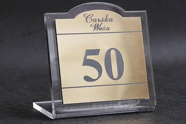 Ozdobna tabliczka informacyjna na stół z numerkim
