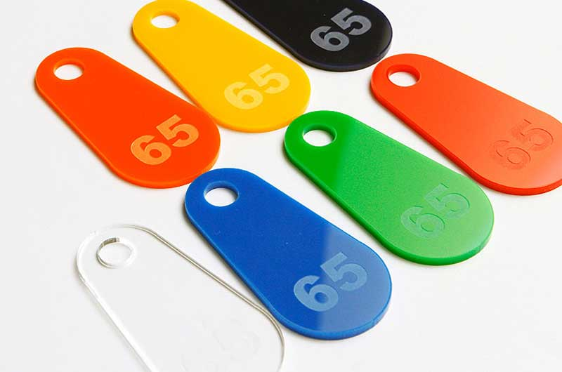 Numerki do kluczy grawerowane na pleksi