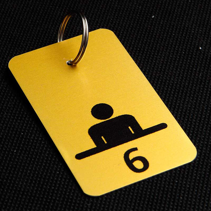 Metalowy numerek do klucza dla urzędu