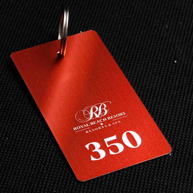Metalowy numerek do klucza dla hotelu