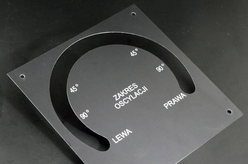 Numerki opisy przycisków oscyloskopu