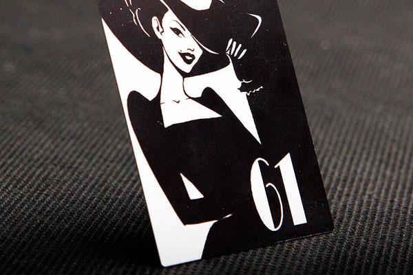Metalowy numerek na szafkę w sklepie, czarno-srebrny, ozdobny, samoprzylepny, drukowany