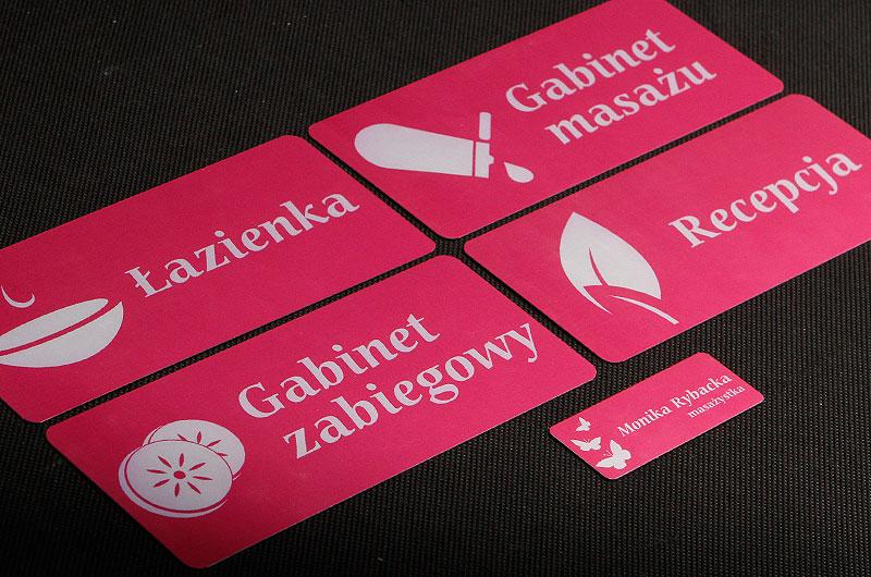 Zestaw tabliczek z numerami na drzwi dla gabinetów kosmetycznych