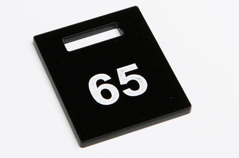 Numerek do szatni nieścieralny czarno-biały