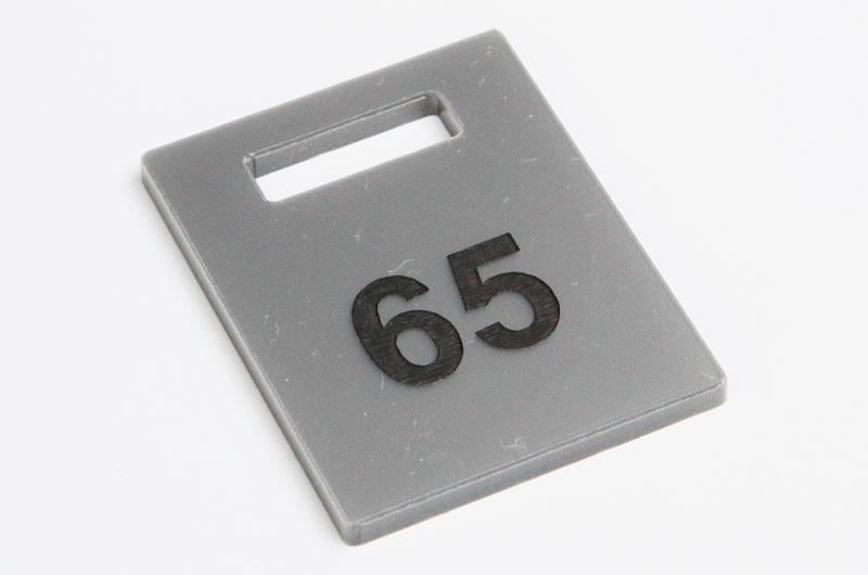 Numerek do szatni nieścieralny srebrno-czarny