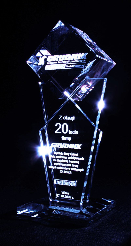 Statuetka jubileuszowa 20 lat firmy szklana