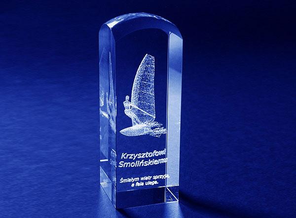Szklana statuetka pamiątka windsurfingowa