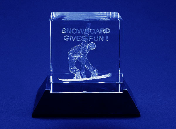 Szklana statuetka nagroda snowboard'owa