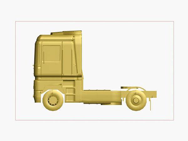 Wizualizacja ciągnika siodłowego grawerowanie 3d w szklanej statuetce - widok z boku