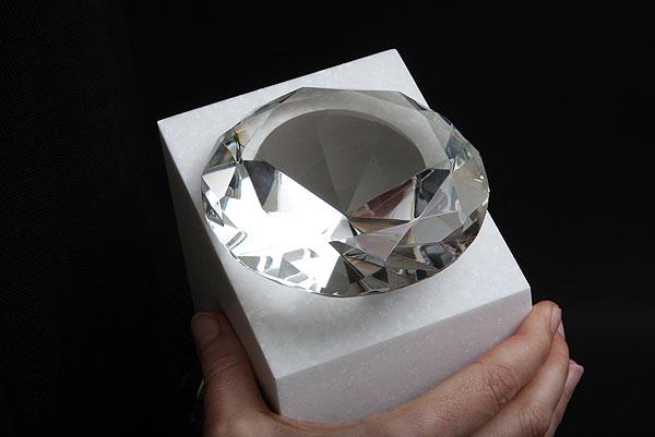 Statuetka na zamówienie szklany diament