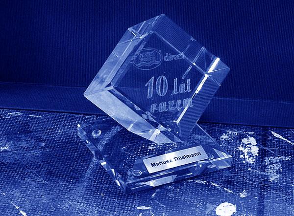 Szklana statuetka rocznicę 10-lecia firmy