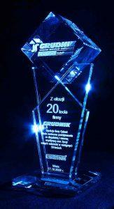 Statuetka szklana z okazji 20-cio lecia