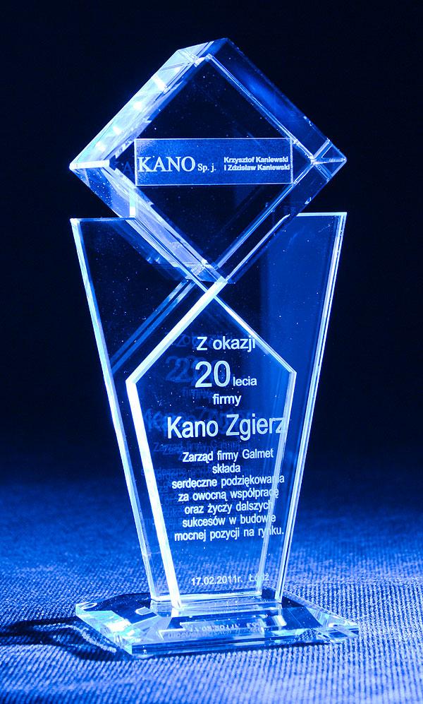 Statuetka szklana z okazji rocznicy firmy
