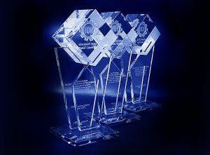 Szklane statuetki - nagrody jakości