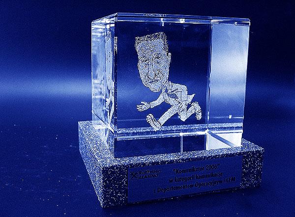 Karykatura w szklanej statuetce grawerowanie 3d - 03