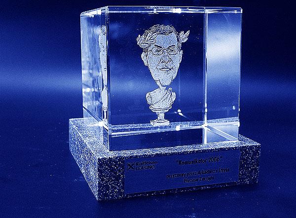 Karykatura w szklanej statuetce grawerowanie 3d - 06