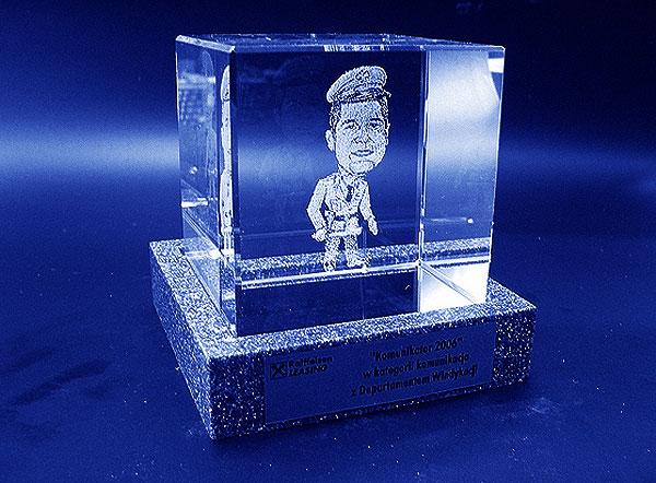 Karykatura w szklanej statuetce grawerowanie 3d - 08