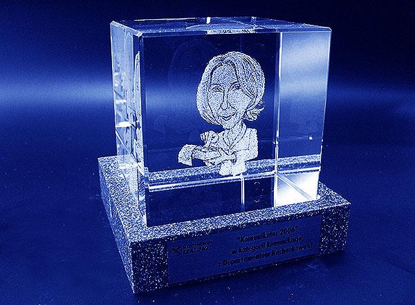 Karykatura w szklanej statuetce grawerowanie 3d - 09