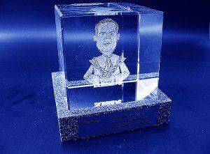Karykatura w szklanej statuetce grawerowanie 3d - 11