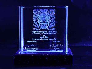 Tygrys szklana statuetka nagroda